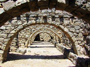 Qasr al Azrad arches