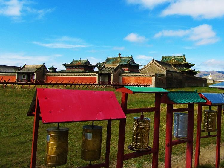 mongolia-4-karakorum-monastery-main-temples-wall
