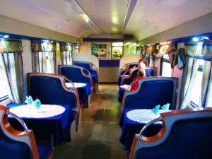 russia-train-1-diner-car