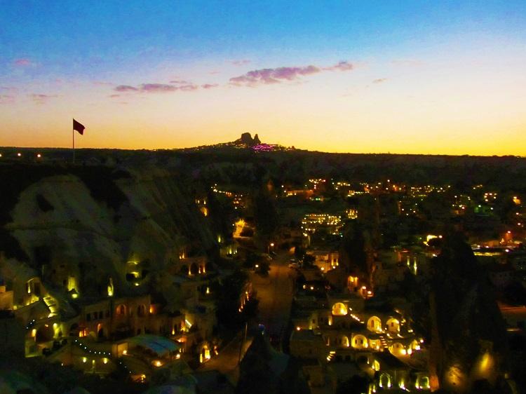 vacation-turkey-cappadocia-sunset