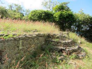 Yawzi Trail ruins