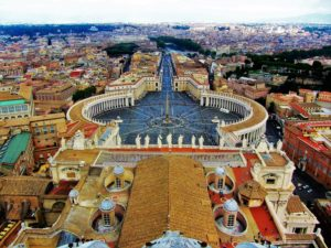 Vatican City travel guide - St Peter's Square