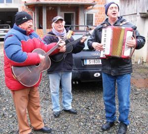 Gradiska01 Muzicari iz Bereka foto M PILIPOVIC