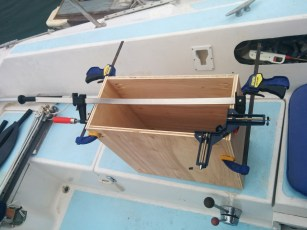 Drawer housing for the galley