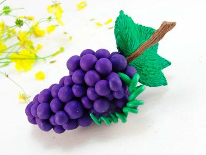 Anggur dari plasticine.