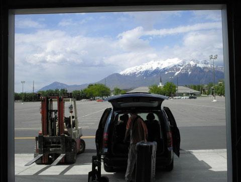 Utah 2008 01 mountains from museum door