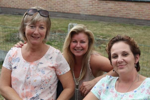 15 Juli 2015. Afscheid ex-GE collega's bij Martine thuis. Annemie, Myriam en Ellen
