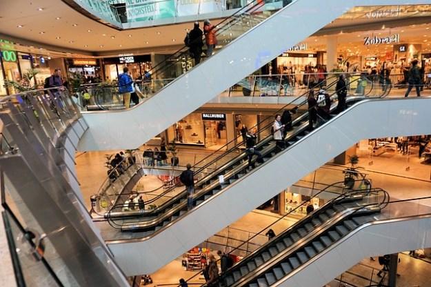 shopping-centre-1003650_640-publicdomainImage-pixabay
