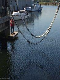 Lowering the slings