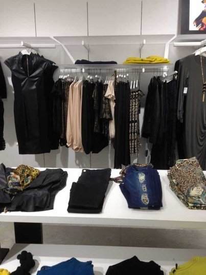 marciano store display (6)