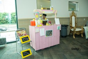 Taetym and London's Lemonade Stand