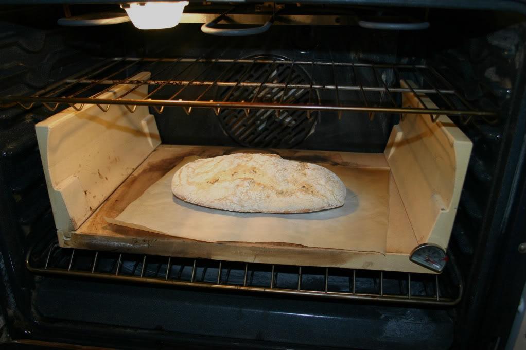 Make artisanal bread with a Hearthkit