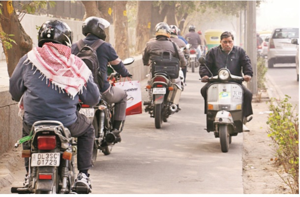 Courtesy: http://blogs.timesofindia.indiatimes.com/Swaminomics/to-ease-delhis-congestion-make-outsiders-pay/