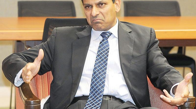 Image Courtesy: http://blogs.timesofindia.indiatimes.com/Swaminomics/if-the-rupee-drifts-down-rbi-should-smile-and-do-nothing/