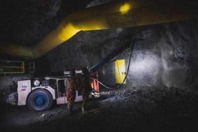 Application de béton projeté sous-terre