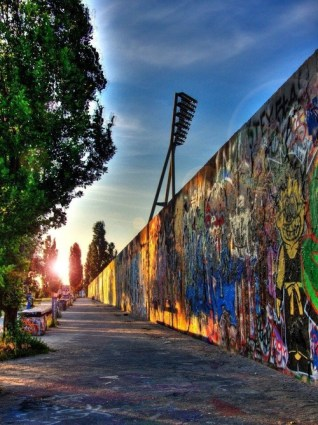Swatiness_Instagrammed Locations_Berlin Wall 1