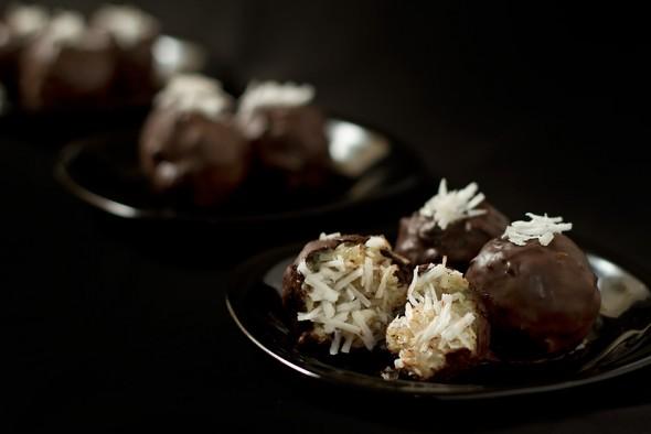 Chocolate coconut laddos