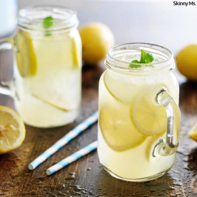 Homemade-Honey-Lemonade-With-Fresh-Mint
