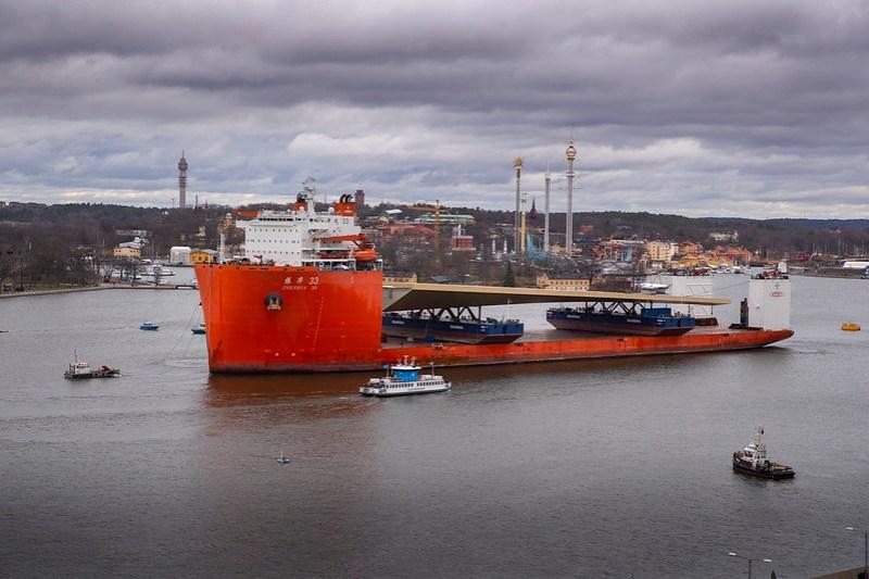 振華33號運載金橋抵達斯德哥爾摩。(圖: 斯德哥爾摩市政府)