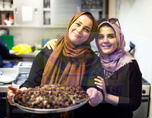 وجبات الإفطار لآلاف اللاجئين والمواطنين المحليين المحتاجين يومياً خلال الشهر المبارك