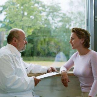 تقرير خطير حول مزاولة مهنة طب الأسنان بدون تصريح في السويد