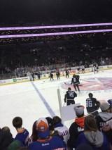 Ett bra gäng fans kollade warmups på nära håll.