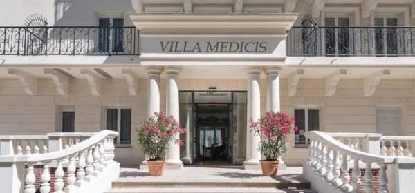 Villa Medicis Puteaux facade