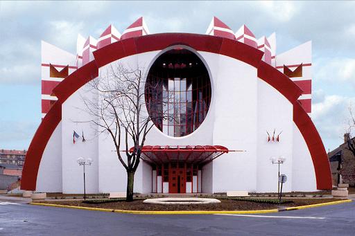 La façade très Cirque d'Hiver de la MAPAD d'Alfortville