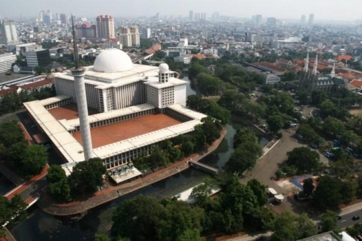 Indonesia-Jakarta-Istiqlal-Mosque-fotopedia.com