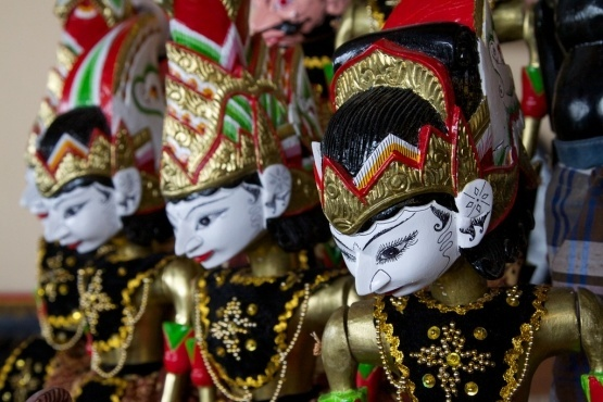 Indonesia-wayang_golek-flickr.com-Paul_Hagon