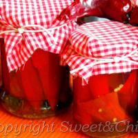 Papryczki chili w oleju i suszone płatki chili