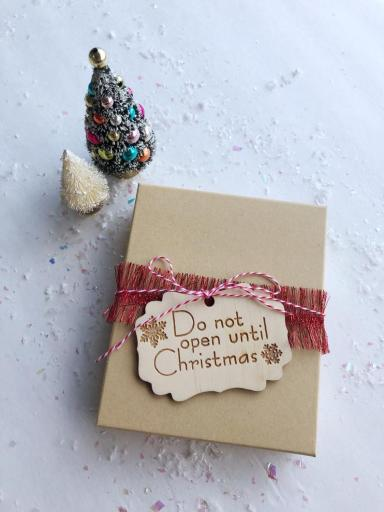 CherieBee etsy shop for homemade gift tags in wood.