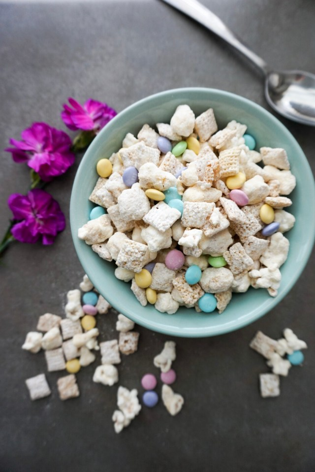 Spring Muddy Buddies Mix Recipe