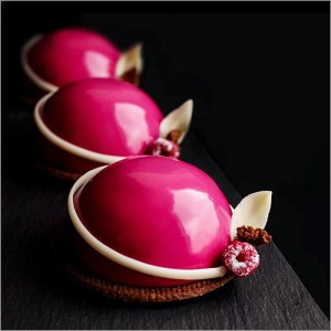 Raspberry Mousse with Vanilla Heart - L'Aube Framboise