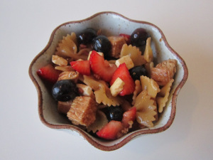 Secret Recipe Club: Chicken-Berry Pasta with Balsamic-Pomegranate Vinaigrette