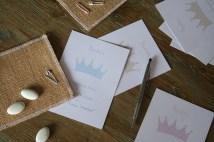 Invitaciones coronas azul, rosa o piedra