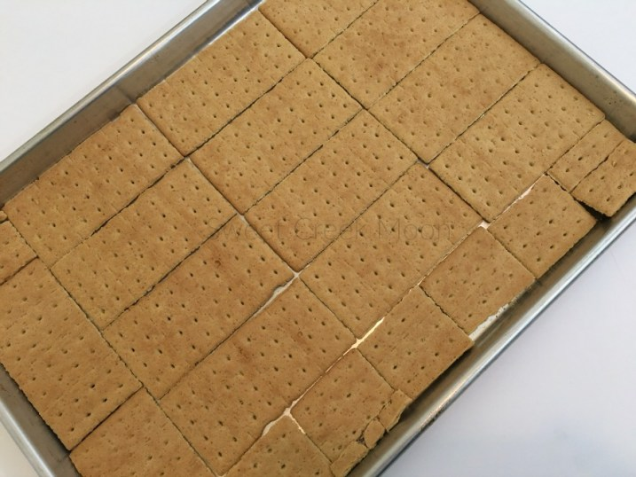 Valentines day bark graham crackers 2