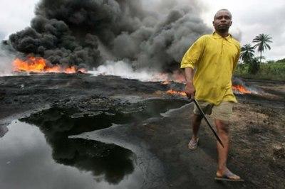 https://i2.wp.com/sweetcrudereports.com/wp-content/uploads/2011/09/Ogoni-spill.jpg?resize=400%2C266