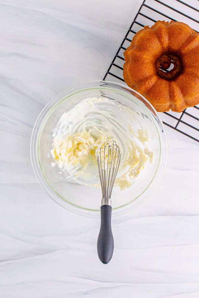 picture of whisk mixing icing