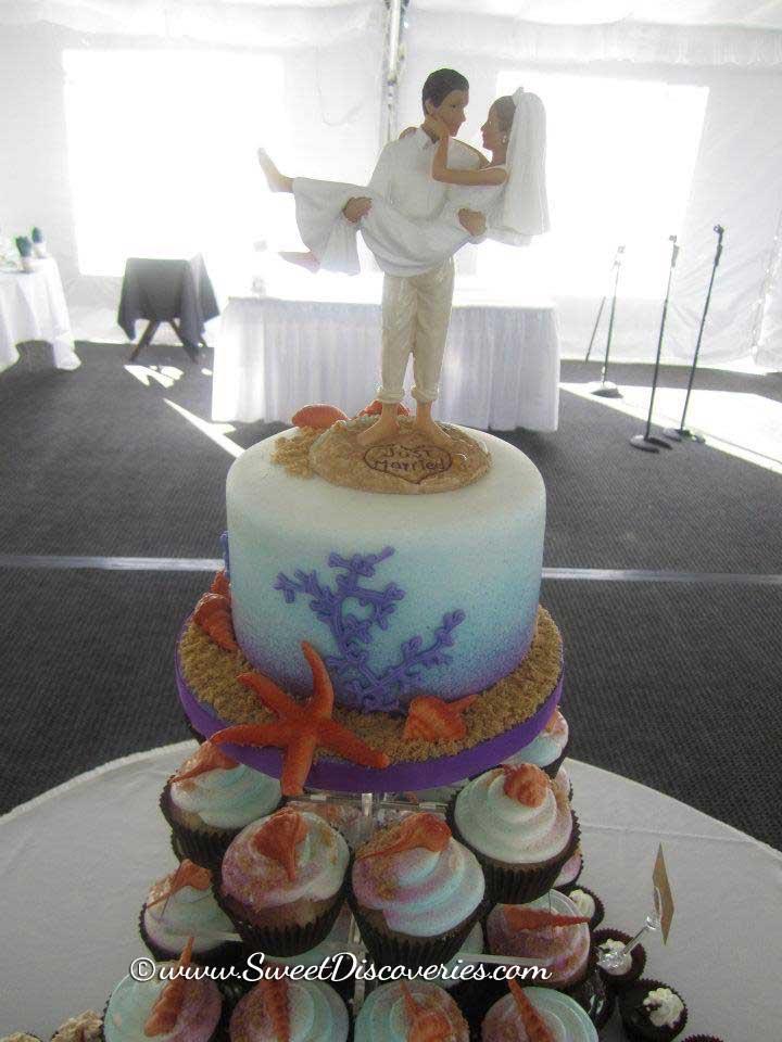Beach Wedding Cake Amp Cupcakes Sweet Discoveries