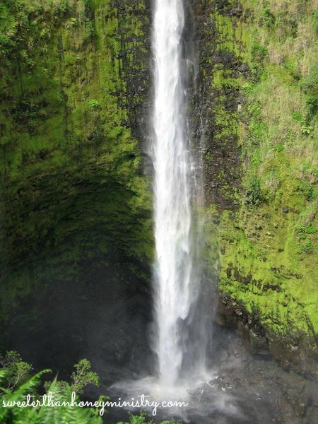 waterfall hawaii