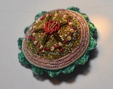 The finished brooch.