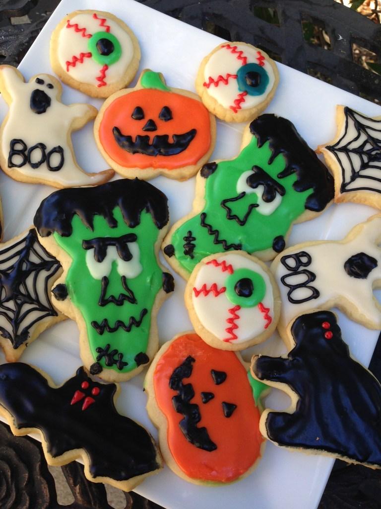 best halloween sugar cookie recipe   sweetie pie and cupcakes
