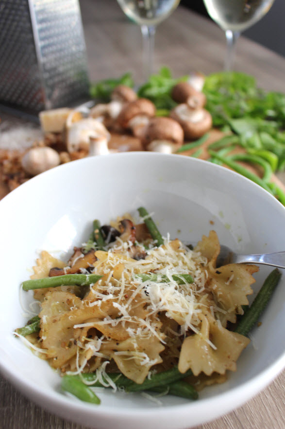 Date Night Bowtie Pasta with Mushrooms, Greenbeans and Basil Walnut Pesto Sauce