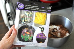 Wilton witch theme cupcake liners and decorations
