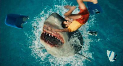 L'introduction du requin. Cheap, easy mais ça fait tellement plaisir...