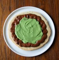 Spread pistachio cream into centre