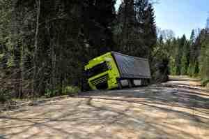 Possible Injuries in Semi-Truck Crash on Highway 134 near Figueroa Street [Pasadena, CA]