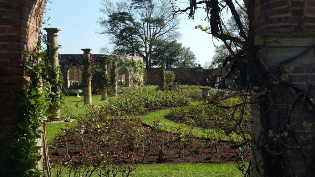 Italian garden Hever Castle