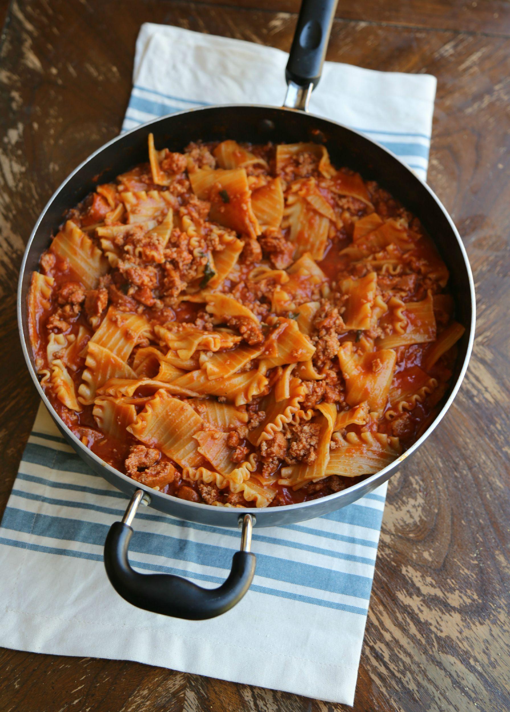 skillet-lasagna-VianneyRodriguez-sweetlifebake
